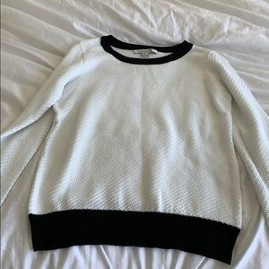 Sweaters - White and black nitted sweater